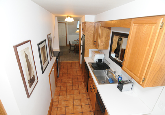 3 bedroom, 2.5 bath with En suite master, galley Kitchen, grand room, full private sun deck, air conditioning and heating, WiFi, iHome, Comcast TV/DVD.